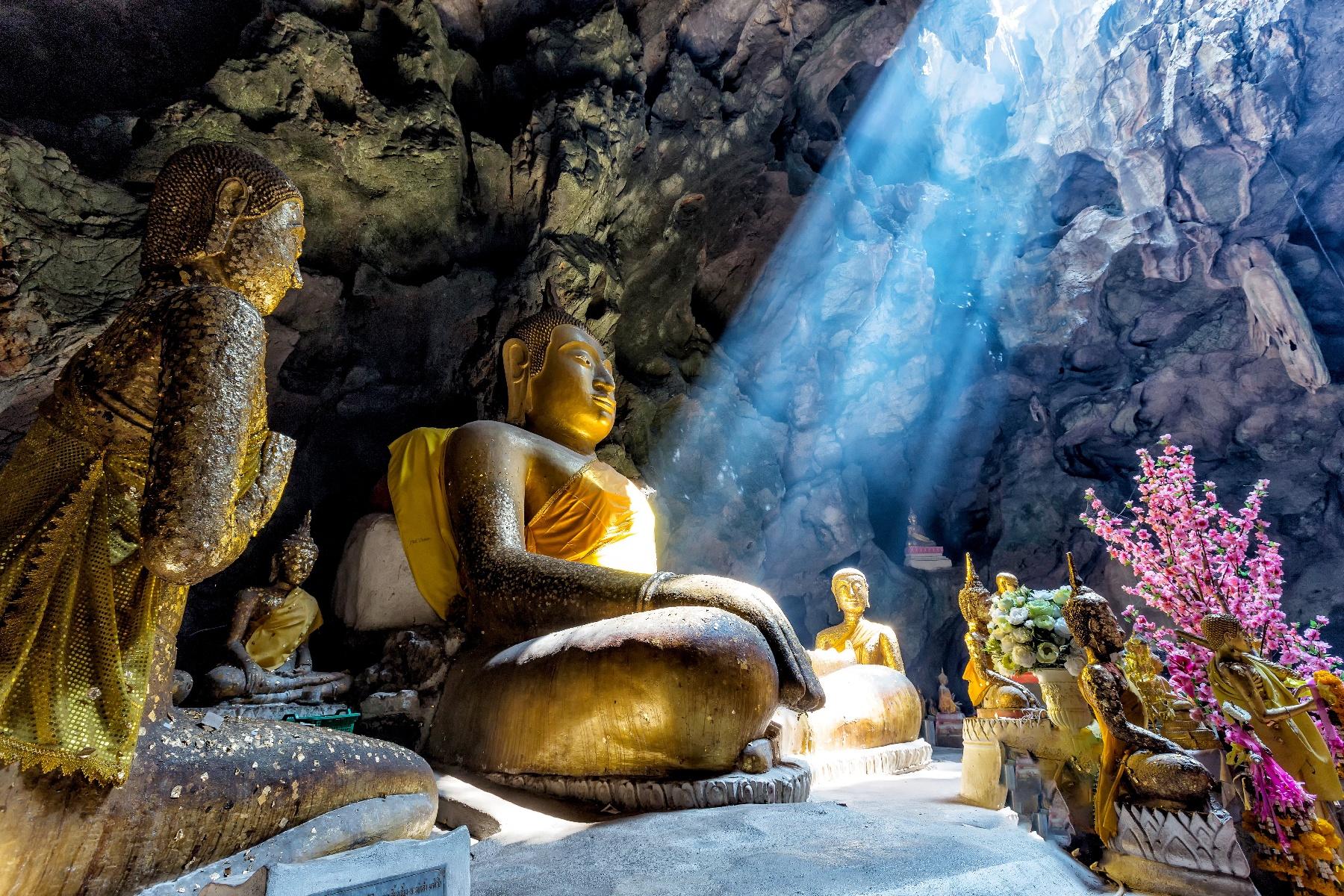 Dambulla Cave Temple - Dambulla